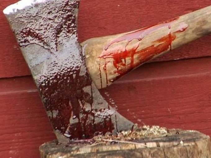 На Херсонщині матір вдарила сина сокирою по голові