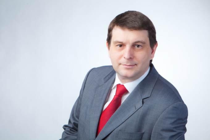 Гарри Столяров раскритиковал предвыборные программы оппозиционных фракций